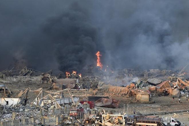 Nổ cực lớn ở Lebanon: Do hàn xì lỗ thủng của nhà kho? - Ảnh 10.