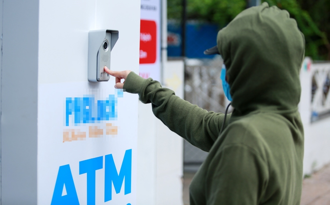 Cận cảnh cây ATM khẩu trang phát miễn phí cho người nghèo ở Sài Gòn - Ảnh 5.