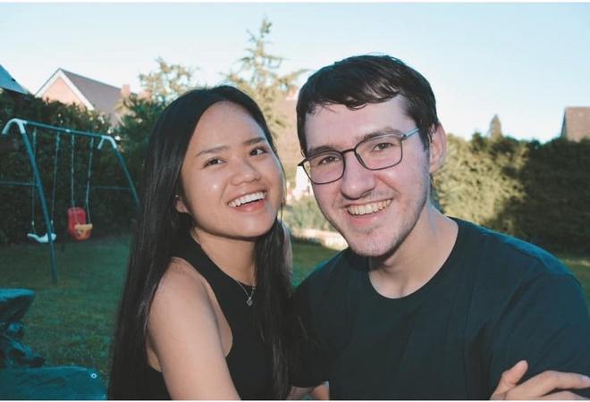 Cô gái Việt đổ chàng kĩ sư Đức vì cái choàng vai lúc 2h sáng và chuyến bỏ nhà theo trai kiếm được chồng - Ảnh 1.