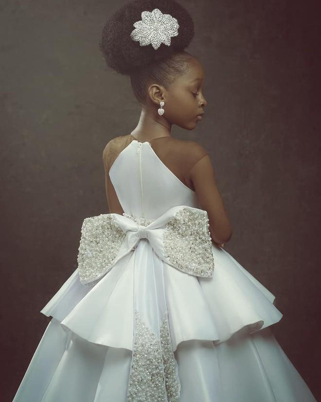 Sau 2 năm gây sốt mạng xã hội, cô bé châu Phi đẹp nhất thế giới hiện ra sao? - Ảnh 11.