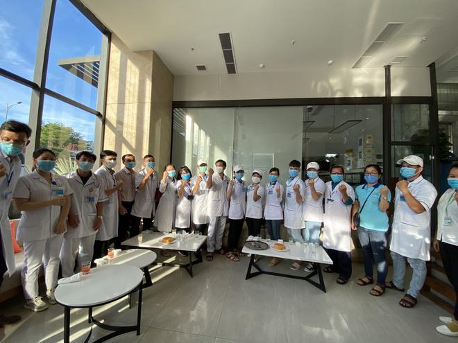 Tuyên bố đanh thép từ đoàn y tế Bình Định, Hải Phòng khi đến Đà Nẵng chống dịch Covid-19 - Ảnh 1.