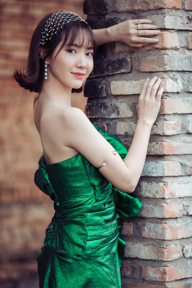 Jang Mi khoe lưng trần gợi cảm - Ảnh 6.