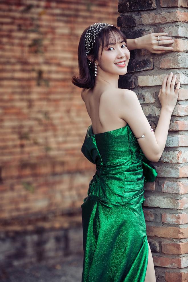 Jang Mi khoe lưng trần gợi cảm - Ảnh 7.