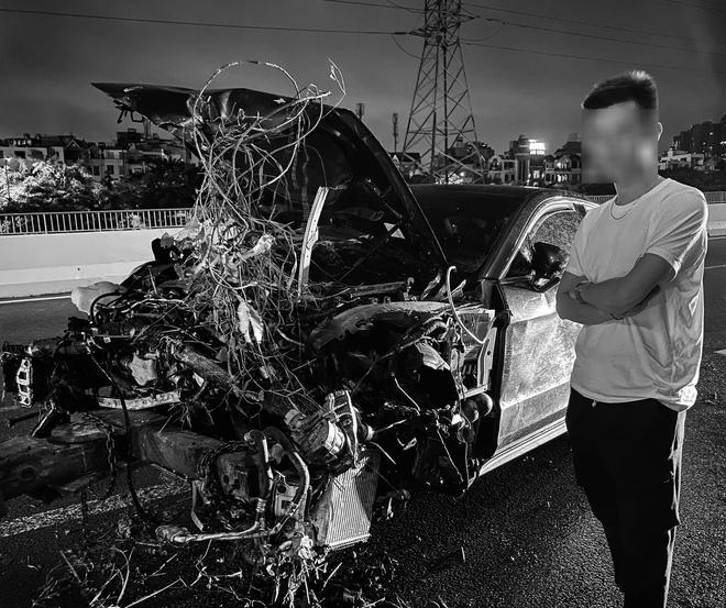 Vừa sang tay chủ mới 11 tỷ, chàng trai 26 tuổi xót xa khi siêu xe Porsche lao xuống cầu Sài Gòn, hư hỏng nặng - Ảnh 4.
