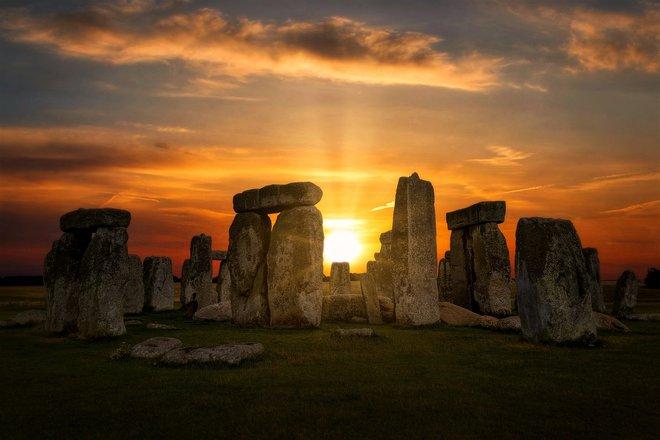 Bí ẩn lớn nhất của Stonehenge vừa được giải mã: Đột phá khoa học hay có bàn tay của người ngoài hành tinh? - Ảnh 1.