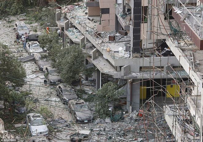Đang chụp ảnh cưới, cô dâu Lebanon hồn xiêu phách lạc vì vụ nổ Beirut - Ảnh 6.