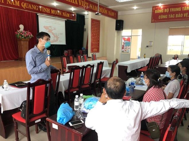 Những người đi dạo trong 3 bệnh viện đang bị phong toả ở Đà Nẵng - Ảnh 4.