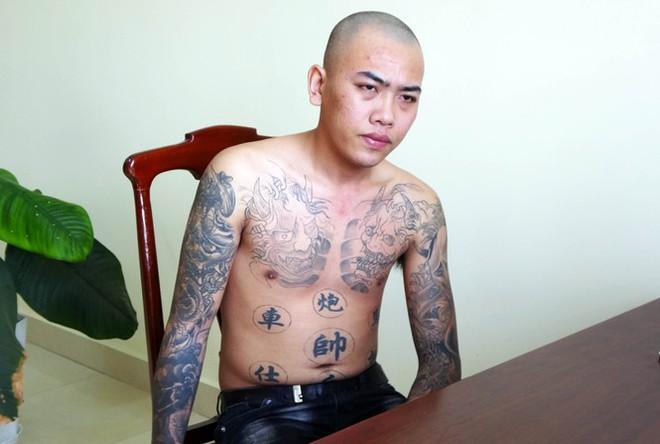 Bắt nhóm con nghiện dùng súng giả uy hiếp, cướp tài sản - Ảnh 2.