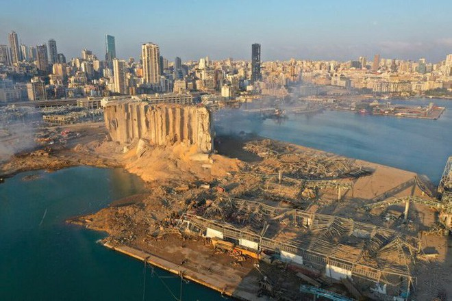 Nổ cực lớn ở Lebanon: Công nhân cảng bị thổi bay xuống biển sống sót kì diệu - Ảnh 3.