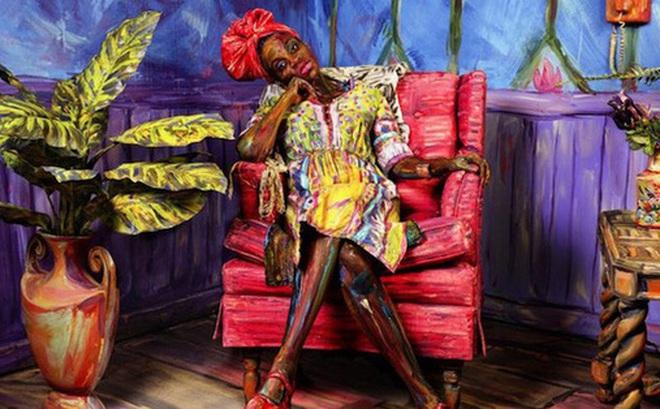 """Bức tranh sơn dầu tả cảnh cô gái ngồi thẫn thờ, tưởng đơn giản nhưng ẩn chứa một sự thật có thể gây """"thót tim"""" cho bất kỳ ai"""