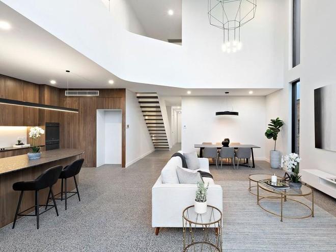 Ngôi nhà cũ kỹ 1 tầng bỗng lột xác thành biệt thự, giá tăng thêm gần 30 tỷ nhờ cải tạo - Ảnh 7.