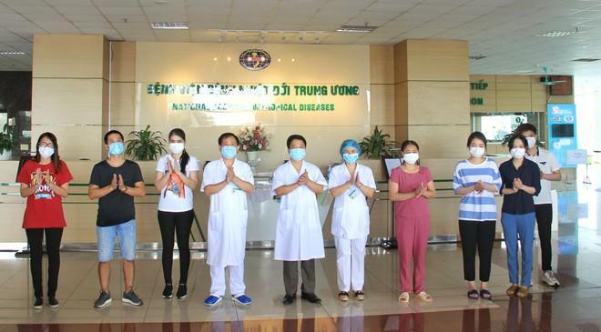 Nữ bệnh nhân mắc COVID-19 từ bệnh viện Bạch Mai kể về nỗi sợ hãi trong suốt 85 ngày điều trị - Ảnh 1.