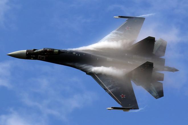 Tư lệnh QĐ Ấn Độ cảnh báo lạnh người: Chuẩn bị cho tình huống xấu nhất với TQ - Su-35 xuất kích truy đuổi máy bay ném bom Mỹ - Ảnh 1.