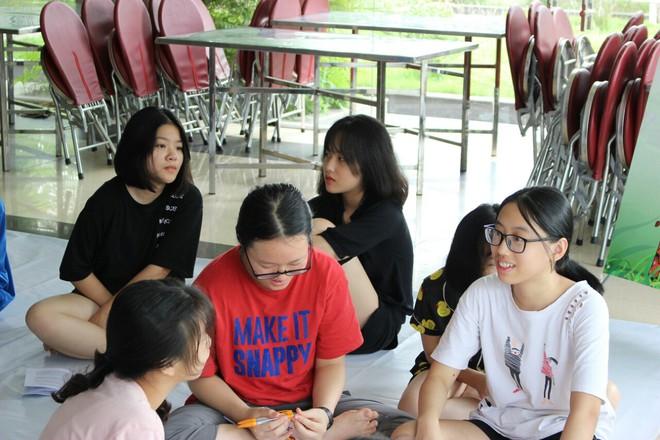 Gặp gỡ cô gái có điểm thi cao nhất vào lớp 10 công lập Hà Nội: Luôn đi ngủ lúc 10h nhưng bất ngờ hơn là quyết định chọn trường - ảnh 3