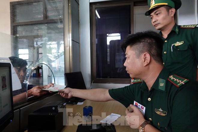 Biên phòng Lao Bảo liên tiếp đánh án trong mùa dịch - Ảnh 6.