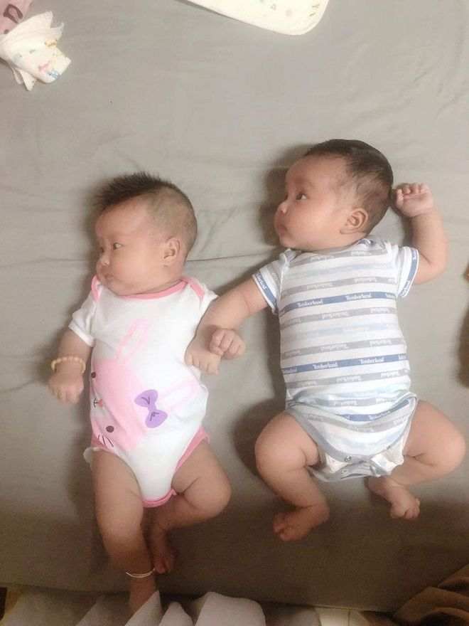 Đôi bạn thân cưới cùng lúc, 2 vạch cùng thời điểm, sinh con cách nhau đúng 2 tiếng - Ảnh 7.