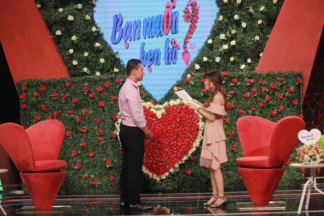 Cô gái mang bảng tiêu chuẩn ISO đi tìm người yêu ở Bạn muốn hẹn hò và cái kết sau 2 năm - Ảnh 1.