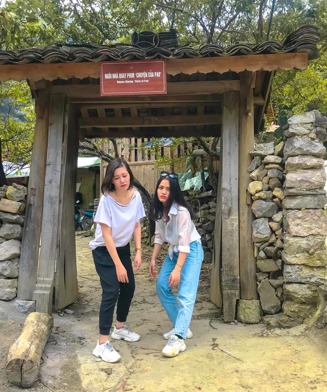 Hai cô gái rủ nhau phượt Hà Giang: Trải nghiệm mạo hiểm và loạt ảnh khó đỡ trên từng cây số - Ảnh 8.