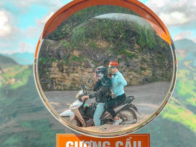 Hai cô gái rủ nhau phượt Hà Giang: Trải nghiệm mạo hiểm và loạt ảnh khó đỡ trên từng cây số - Ảnh 2.