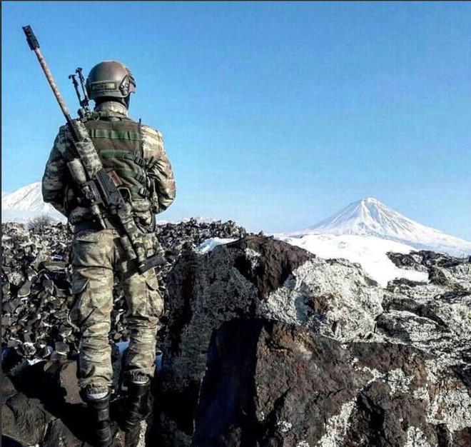 Máy bay lạ liên tiếp không kích QĐ Syria, Thổ tố Nga ráo riết tuyển lính đến Libya! - Ảnh 2.