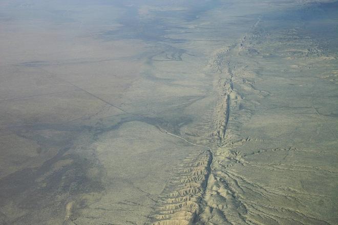 Sốc: Vỏ Trái Đất bị trượt bên dưới tiểu bang của Mỹ - Ảnh 1.