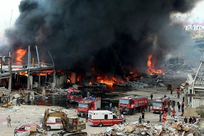 Hé lộ nguyên nhân bùng phát đám cháy ở cảng Beirut - Ảnh 2.