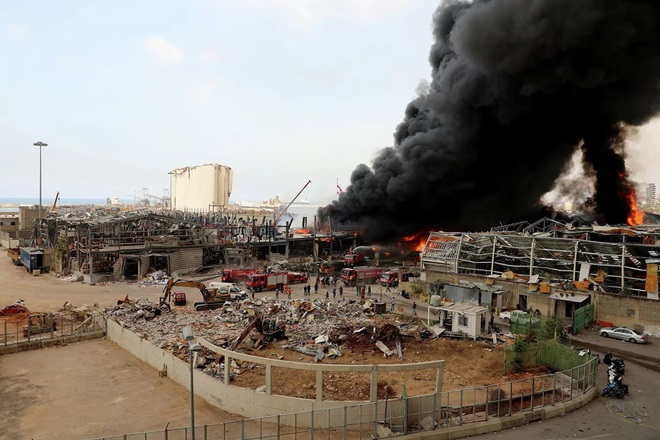 Hé lộ nguyên nhân bùng phát đám cháy ở cảng Beirut - Ảnh 3.