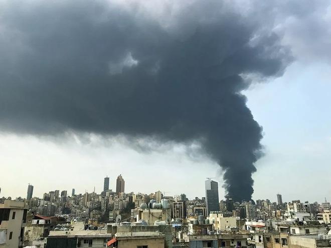 Hé lộ nguyên nhân bùng phát đám cháy ở cảng Beirut - Ảnh 5.