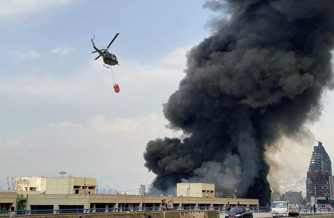 Hé lộ nguyên nhân bùng phát đám cháy ở cảng Beirut - Ảnh 6.