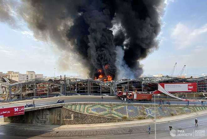 Hé lộ nguyên nhân bùng phát đám cháy ở cảng Beirut - Ảnh 7.