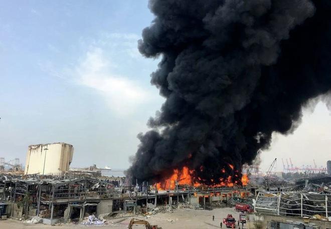Hé lộ nguyên nhân bùng phát đám cháy ở cảng Beirut - Ảnh 9.