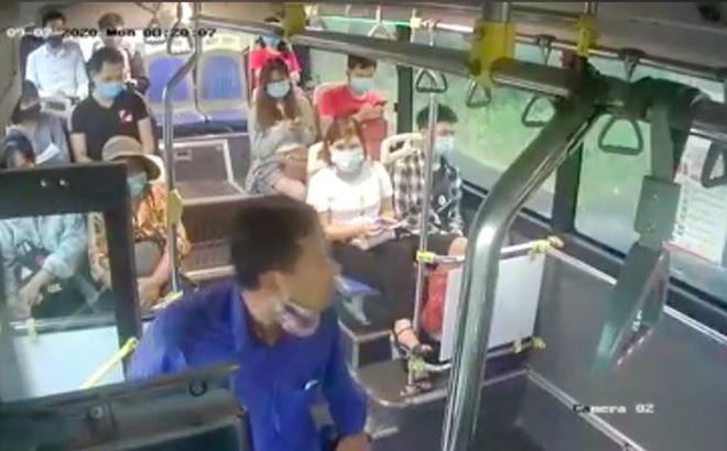 """Thông tin bất ngờ về người đàn ông """"phun mưa"""" vào nữ phụ xe buýt khi nhắc đeo khẩu trang"""