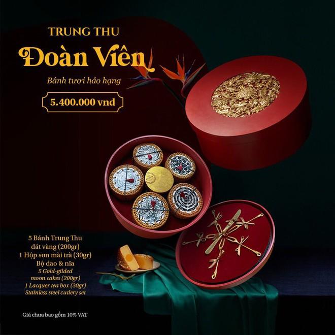 Bánh trung thu nhà giàu tại Sài Gòn - Ảnh 1.