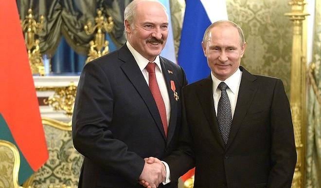 Cảnh báo lạnh người: Thế chiến thứ III giữa Nga và NATO có thể bùng nổ ngay tại Belarus? - Ảnh 3.