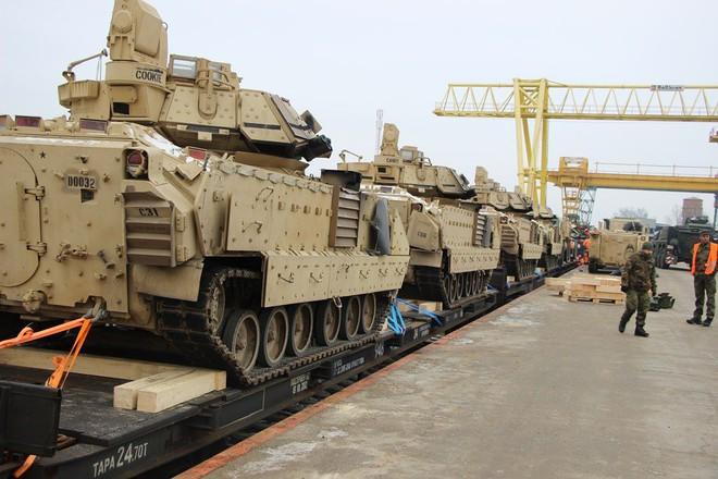 Cảnh báo lạnh người: Thế chiến thứ III giữa Nga và NATO có thể bùng nổ ngay tại Belarus? - Ảnh 2.