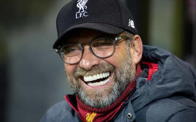 Liverpool thắng nghẹt thở Leeds, HLV Klopp hết lời khen ngợi... đối thủ