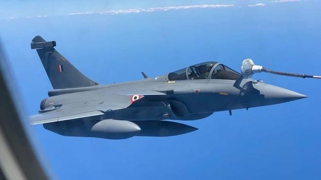 Trung Quốc sẽ dùng S-400 Nga bắn hạ F-35 Mỹ hay tiêm kích Rafale của Ấn Độ? - Ảnh 1.