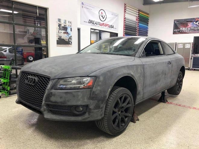 Màn lột xác ngoạn mục của chiếc Audi A5 có ngoại thất bị phá hủy hoàn toàn - Ảnh 1.