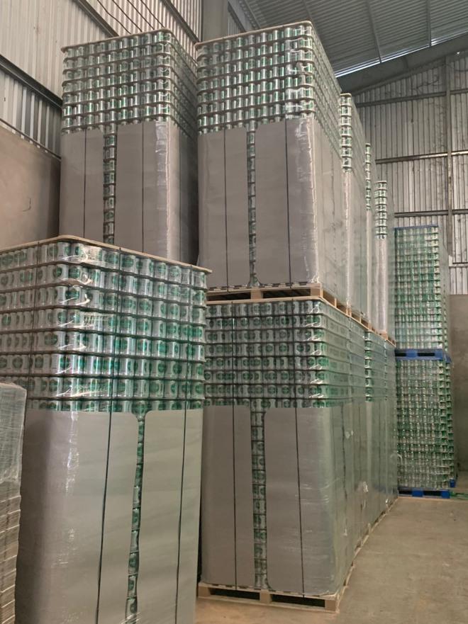 Cơ sở ở Vũng Tàu bị khởi tố hình sự vì ra sản phẩm na ná Bia Sài Gòn - Ảnh 1.