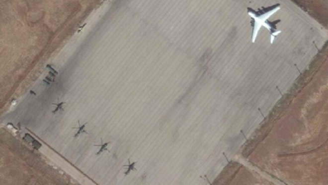 Xe quân sự Nga rầm rập tiến về Đông Bắc Syria, trực thăng tấn công áp sát căn cứ Mỹ - Ảnh 1.