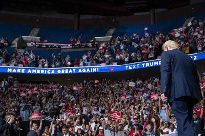 Ông Trump giành một lợi thế lớn trước ông Biden: Bất ngờ với bí quyết mang tên... Obama - Ảnh 1.