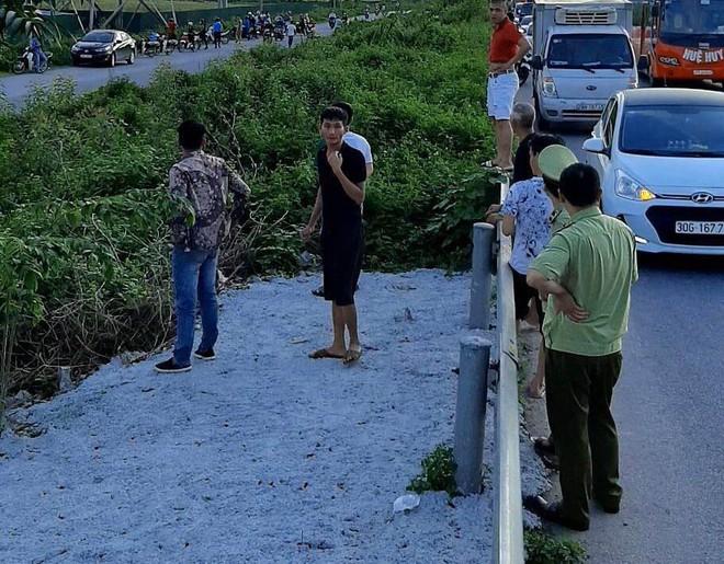 Chiến sỹ cảnh sát cơ động bị xe ô tô đâm tử vong ở Bắc Giang khi làm nhiệm vụ - Ảnh 1.
