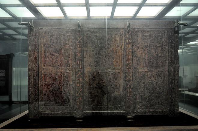 Khai quật thủy mộ độc nhất vô nhị tại Trung Quốc: Những thứ bên trong khiến giới khảo cổ kinh ngạc - Ảnh 3.