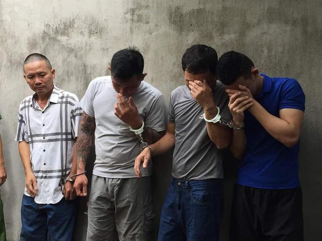 Nhóm cẩu tặc mang theo súng kiếm đi khắp tỉnh Nghệ An, mỗi đêm trộm nửa tấn chó - Ảnh 1.