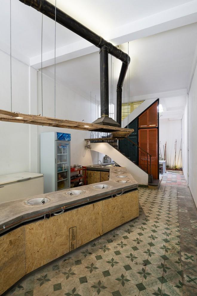 Căn nhà được cải tạo bằng những đồ dùng bỏ đi tại Tp.HCM lên báo Mỹ - Ảnh 12.