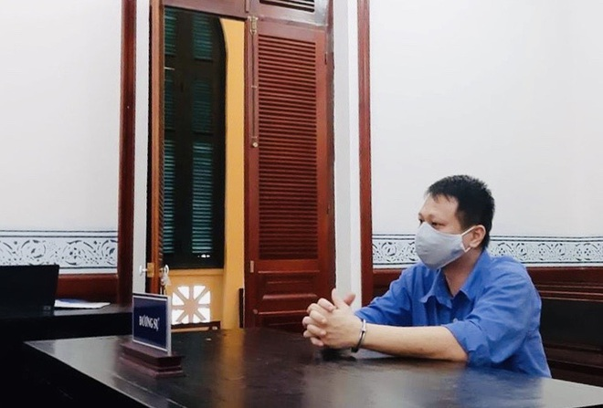 Cựu cán bộ công an phường hứa chạy trường cảnh sát, ôm tiền bỏ trốn - Ảnh 1.