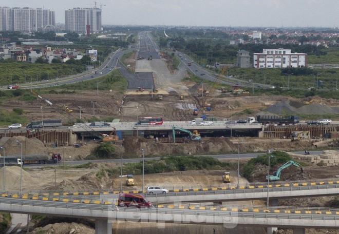 Toàn cảnh đại công trường 402 tỷ đồng nối vành đai 3 với cao tốc Hà Nội - Hải Phòng - Ảnh 11.