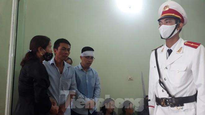Đồng đội, làng xóm tiếc thương cảnh sát cơ động hi sinh ở Bắc Giang - Ảnh 5.