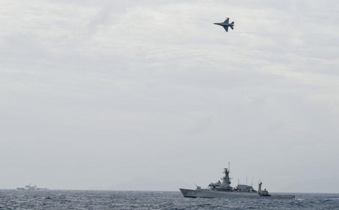 """Hành động """"lởn vởn"""" của tàu hải cảnh Trung Quốc làm an ninh Indonesia sinh nghi"""