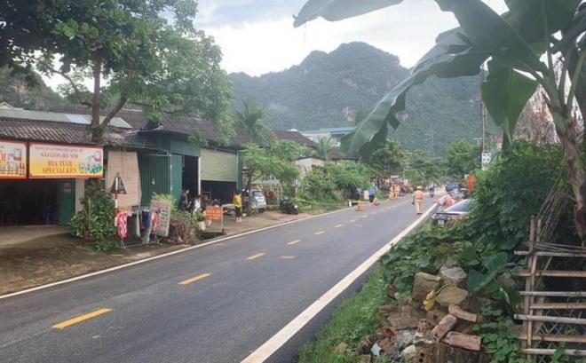 [NÓNG] Đang truy bắt đối tượng đâm tử vong công an viên ở Sơn La